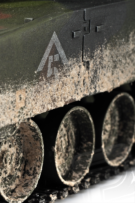 M1A1 Abrams 1:16 RC tank 2.4GHz, patinovaný