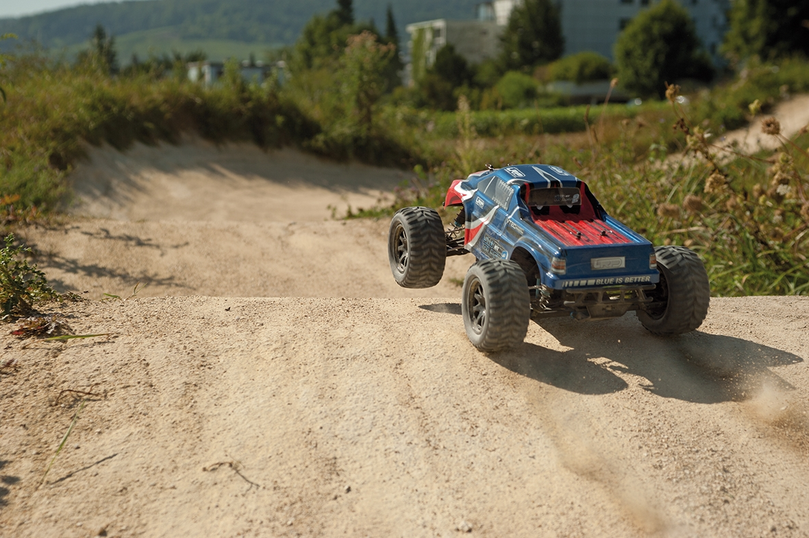 LRP S10 Blast MT 2 RTR - 1/10 Monster Truck s 2,4GHz RC soupravou